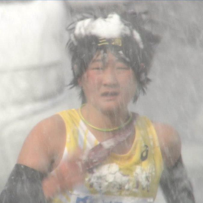 Women's marathon live TV broadcast turned into chaos because of heavy snow